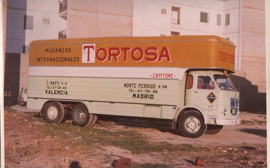 Camión antiguo Tortosa Mudanzas