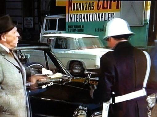 Camión retro de Mudanzas Tortosa